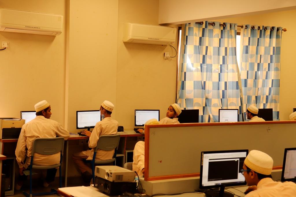Computer Lab (8)